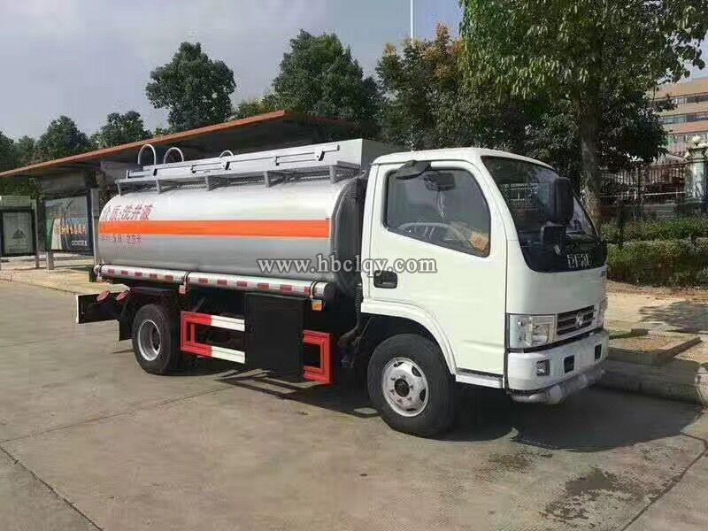国五东风5吨小型加油车