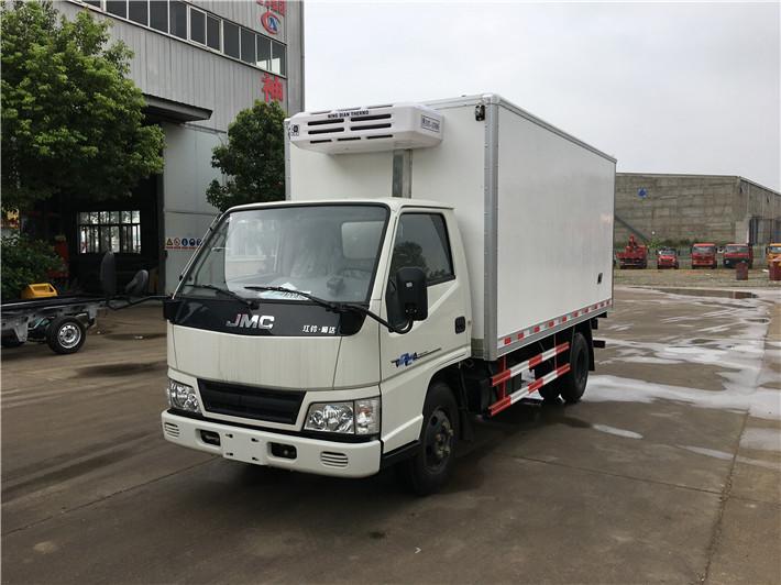 江铃顺达冷藏车(4米2)